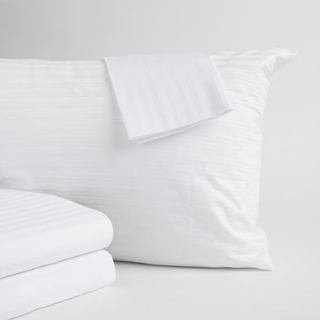 Anti-Microbial 400 Thread Count 100% Cotton Zippered Pillow Covers