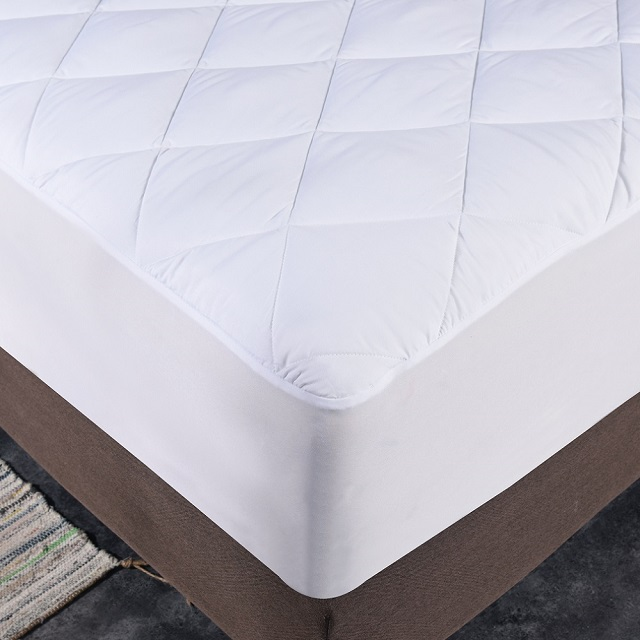 Quilted Waterproof Mattress Protector quilted microfiber fabric laminated with TPU Waterproof Mattress Protector