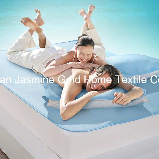 Cooling Fibers Fabric with TPU Waterproof Mattress Protector